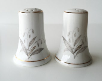 Unique Salt and Pepper Shakers - White - Salt and Pepper Shaker - Golden Rhapsody - SALE