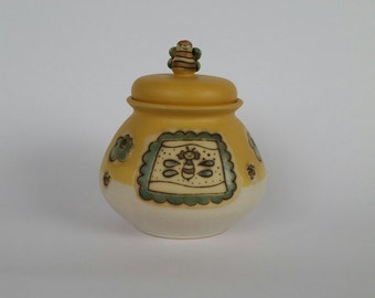 honey pot, handmade ceramic honey pot ,ceramic honey pot,small honey pot,pottery honey pot,stoneware ceramic honey pot,yellow ceramic pot