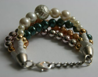 Bracelet, chain and beads, mother-of-Pearl, shiny silver colour, fishing, British blue.