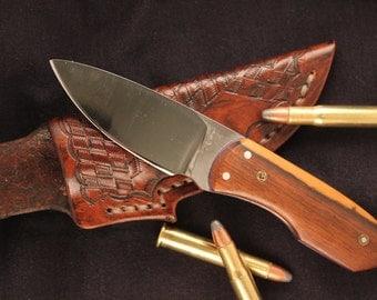 Custom knife and leather sheath