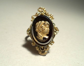 Vintage faux-Victorian Cameo Ring c.1960s, great for cosplay, Victoriana, Steampunk