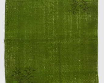 4x6.6 Ft Green color OverDyed Art Deco Turkish Rug. Ideal for both residential and commercial interiors. Wool & Cotton blend.  Y461