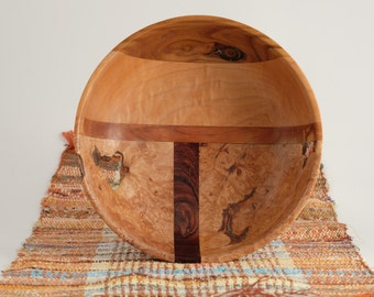 Exquisite hand turned bowl by Martin Fischer