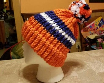 Chicago Bears knitted hat with brim and pompom