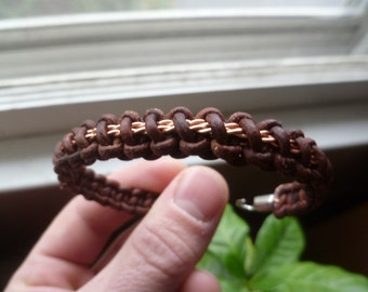 Thin line Solomon weave with twisted copper