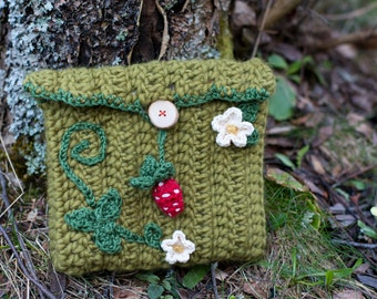 Strawberry crochet pouch / small bag