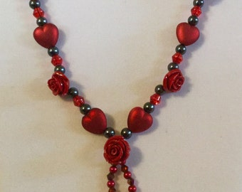 Burgundy rose-heart dangling necklace
