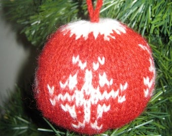 Christmas Tricot Ornament /Julekugler star