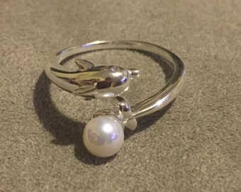 Sterling silver Dolphin Ring with Shell Pearl and Swarovski crystal