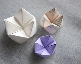 Cootie catcher fortune 10 teller game child paper celebrations origami wedding names menu table decoration decor ornament party childwood