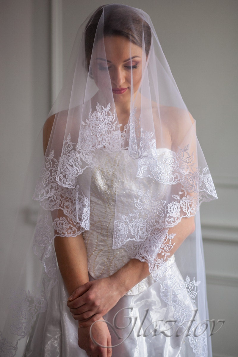 Wedding veil embroidered