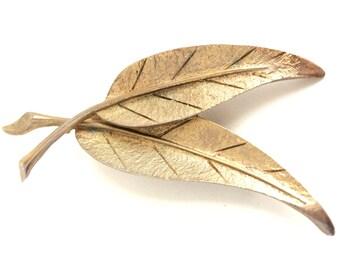 Vintage Brooch - Vintage Gold Leaf Brooch - Golden Leaf - Gold Leaf Pin - Vintage Pin - Pendant - Costume Jewelry - Vintage Gold Brooch