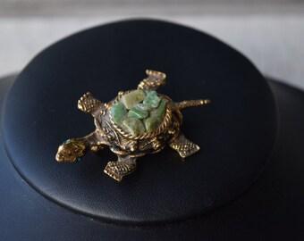 Vintage Jadeite Turtle Brooch