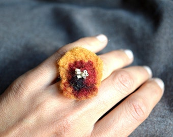Felt flower Ring, Boho Felt Ring, Felt Jewelry, Flower ring wool, Handmade unique ring, Gift woman, Nature inspired ring, Hippy jewelry