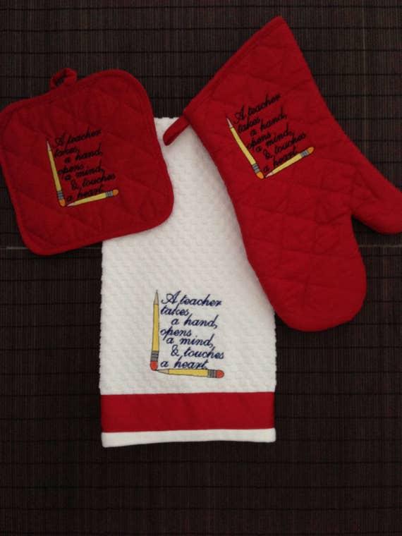Teacher Embroidered Towel Set, Teacher Gift, Embroidered Kitchen Set, Embroidered Hot Pad,  Personalized Gift, Housewarming Set