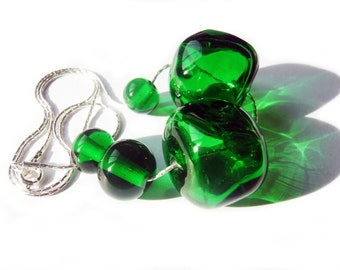 OLIBIA-GREEN collar. Hollow spheres of transparent green Murano glass