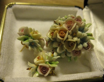 Vintage copadimonte porcelin broach and earrings