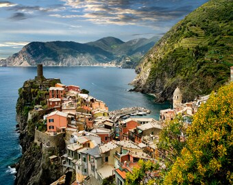 Cinque Terre, Vernazza Italy, Vernazza Seascape, Italy Travel Photo, Five Villages, Italy Landmark, Italy Decor, Wall Art, Tourist Mecca,