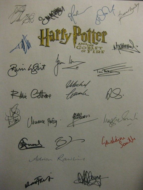 Harry Potter and the Goblet of Fire signed Film Movie Script Screenplay x23 Autograph Daniel Radcliffe Emma Watson Warwick Davis Tom Felton