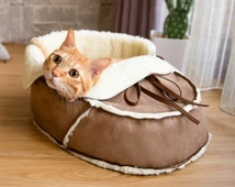 Unique Designer Pet Bed (Medium) for Cat, Small Dog and Pet. Modern Cat Furniture, Gift for Pet Lover, Pet Supplies, Pet Furniture, Gift