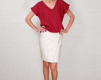 Linen summer top/raspberry pink color/natural fabrics blouse/ ready to ship/v neck/ asymmetrical underside/ready to wear