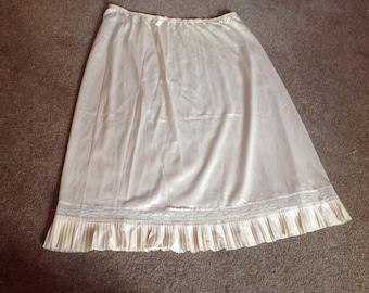 1960s 29W X 24L Petticoat/Underskirt