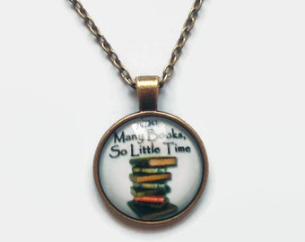 Bookish necklace (So many books, so little time)