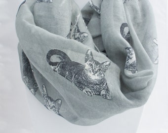 CAT infinity scarf, Scarf with littles cats, printed scarf, gray scarf, Animal printed scarf, kitten scarf, loop scraf, fall scarf