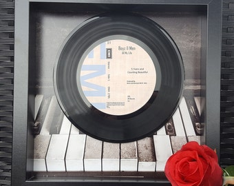 Personalised vinyl record frame, perfect gift for anniversary, wedding, birthday etc or just to treat someone!