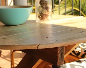 Coffee table, round kitchen in wood pallet