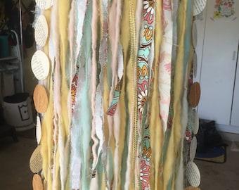 Fabric yarn mobile