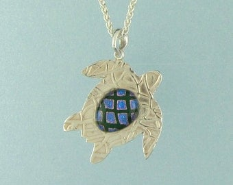 """Turtle Lined #2 w/Green Kaleidescope Dichroic Glass in Fine Silver (.999)  1  1/8"""" Pendant Unique Handcrafted 2749"""