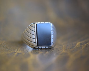 Amazing Mens Black Onyx Stone 925 Silver Solitaire Vintage Ring, US Size 15.0, Used