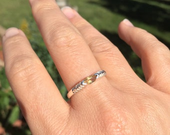 Vintage  Dainty Pyramid Yellow Marquise Gemstone Silver 925 Stackable Ring, US Size 8.5, Used