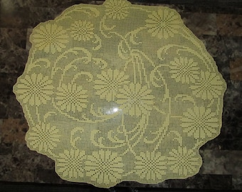 hand filet crocheted DaisyWorks table topper doily