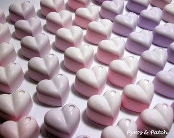 Set of 50 chalks in a heart shape with drop,in soft shades pink/lilac,colored dough for decorating; Gessetti a cuore con goccia rosa-glicine