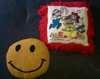 Vtg Smiley Face & Raggedy Ann/Andy Pillows  Set of 2