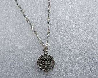 Small star pagan love necklace