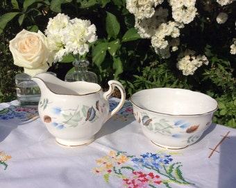 Colclough Linden Bone China Milk Jug and sugar bowl, pretty addition to afternoon tea set