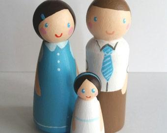 Peg Doll Family of 3