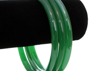 Kelly Green  Glass Bangles