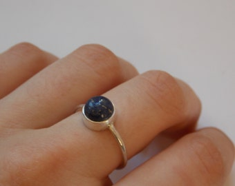 Silver ring with round lapis lazuli stone