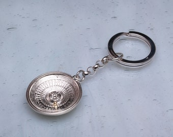 Silver roulette wheel key ring