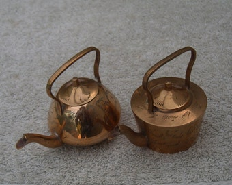 Mini Brass Kettle & Teapot - Etched Design - Vintage Brass