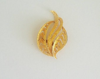 Vintage Gold Feather Brooch