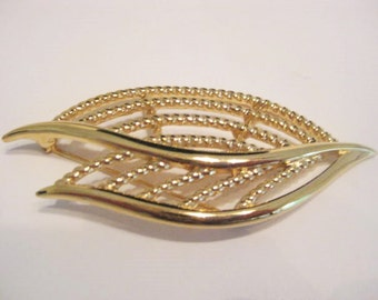 Vintage Brooch, Vintage Pin, Vintage Jewelry, Signed Trifari, Gold Tone Leaf, New Old Stock, 3 Inch Brooch, Made In USA Pin, Designer Signed