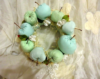 Green apples wreath