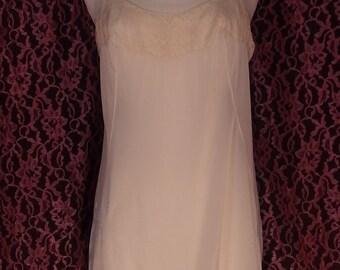 Vintage 1970's short gown