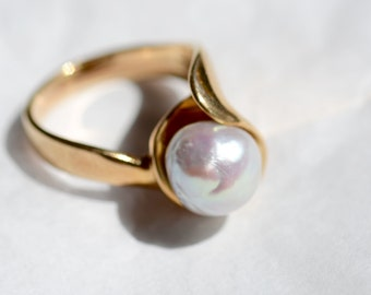 14K Gold Cultured Baroque Pearl Ring