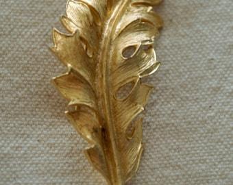 Vintage Brooch Goldtoned Leaf by Coro